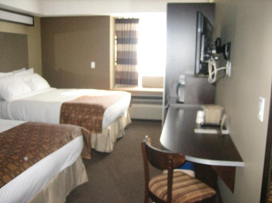 Microtel Inn & Suites by Wyndham Estevan: My room