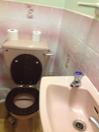 Balmoral Hotel: Bathroom