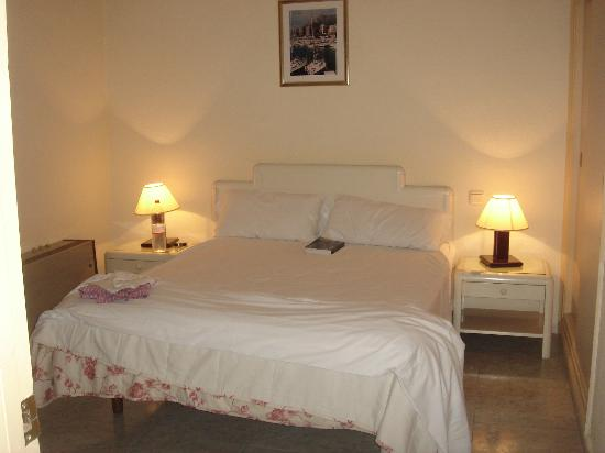 Marbella Inn : habitacion