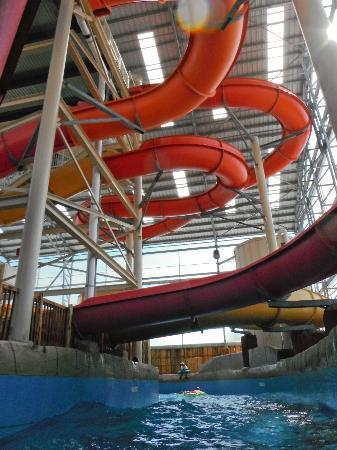Schlitterbahn Beach Waterpark : going under the slides in the torrent river