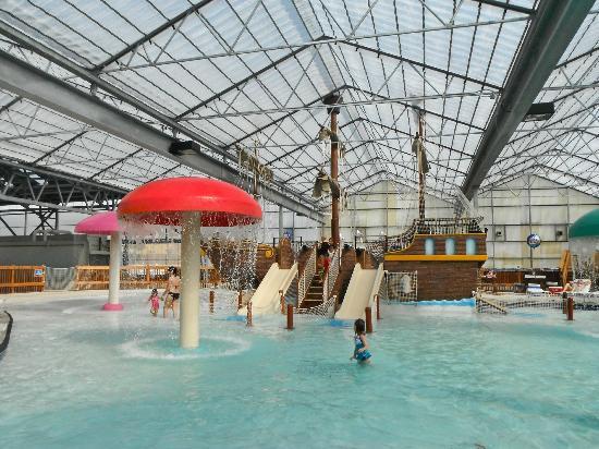 Schlitterbahn Beach Waterpark : Kids area indoors