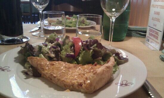 Restaurant de la Tour: Tarte thon - tomate.
