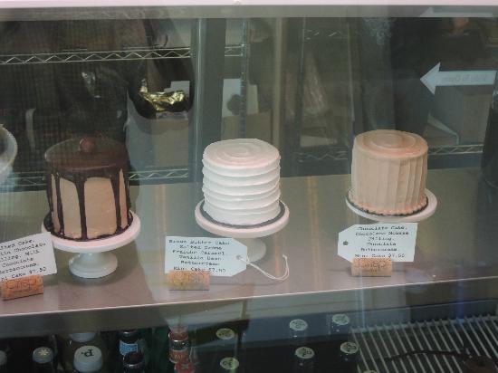 Crisp Bake Shop: Mini cakes
