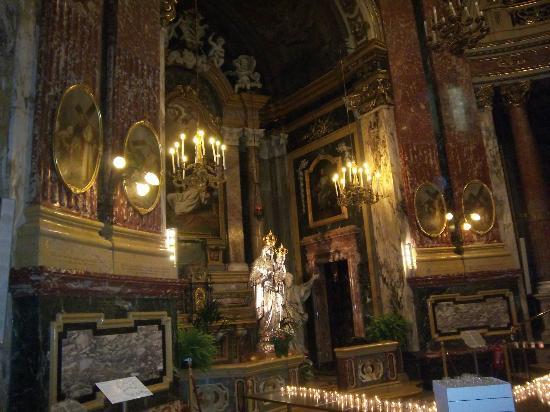 Santuario Basilica La Consolata: PARTE DEL SUO INTERNO