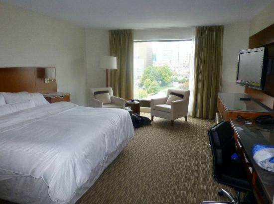 The Westin Ottawa: Our bedroom