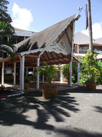 Hotel Fleur d'Epee: entrée de l'hôtel