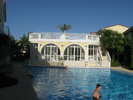 Kali pigi hotel alykanas greece specialty hotel for Specialty hotels