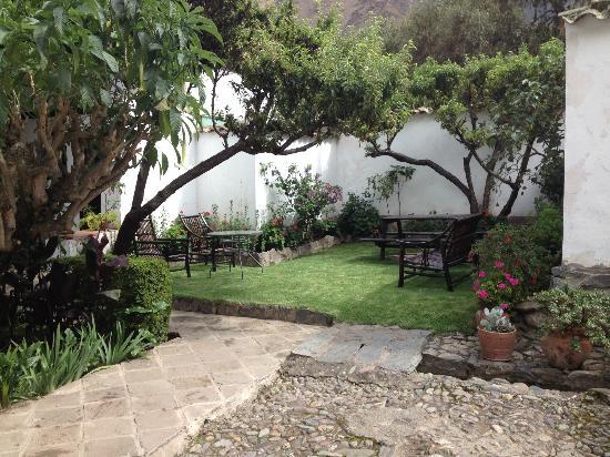El Albergue Ollantaytambo: Fruit Trees