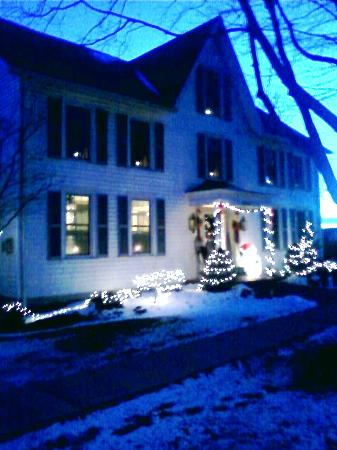 Silver Waters Bed and Breakfast: Come enjoy Winter and the Holidays on Lake Ontario & Sodus Point