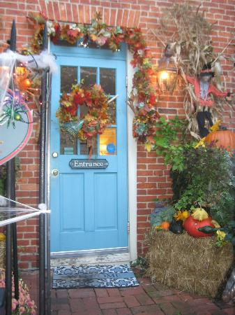 Scarborough Fair Bed & Breakfast: front door