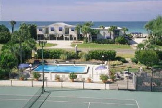 Gulf Tides of Longboat Key: Pool area