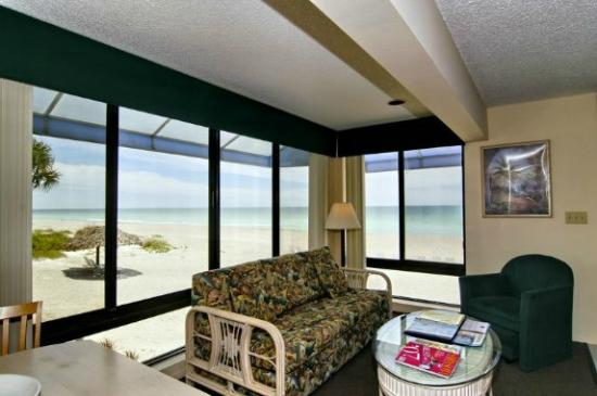 Gulf Tides of Longboat Key: Sample interior