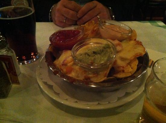 Gloria's Bar & Restaurant: nachos at Gloria's. a must