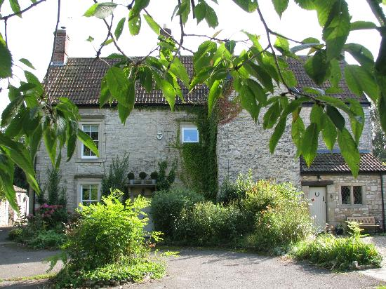 Welton Old Farmhouse : approaching the house