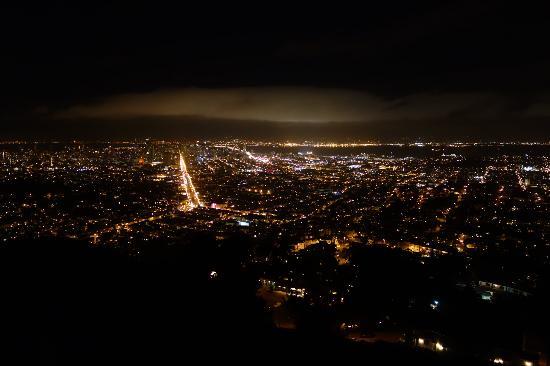 Carriage Inn: SF @ Night