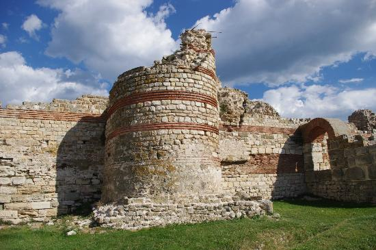Old Nessebar: Fortifications at the entrance of Nessebar