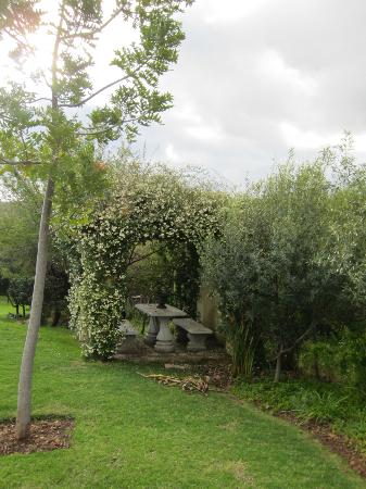 The Thorntree Country House: Garden