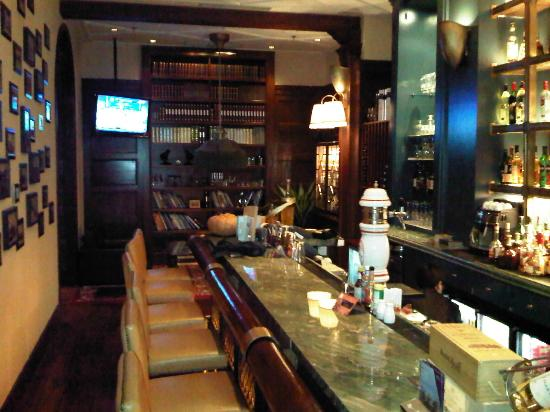The Astor Hotel, A Luxury Collection Hotel: Oharas Bar