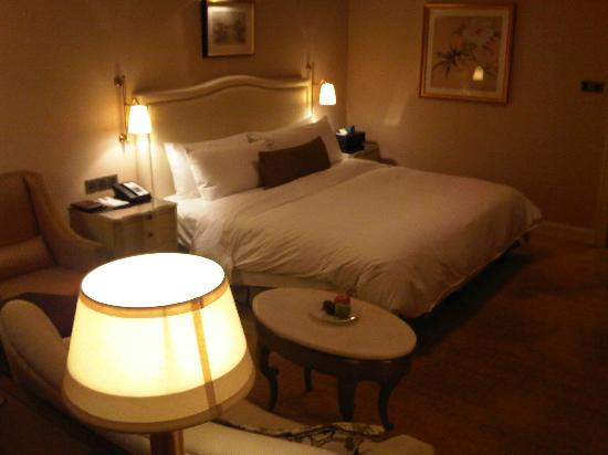 The Astor Hotel, A Luxury Collection Hotel: Bedroom