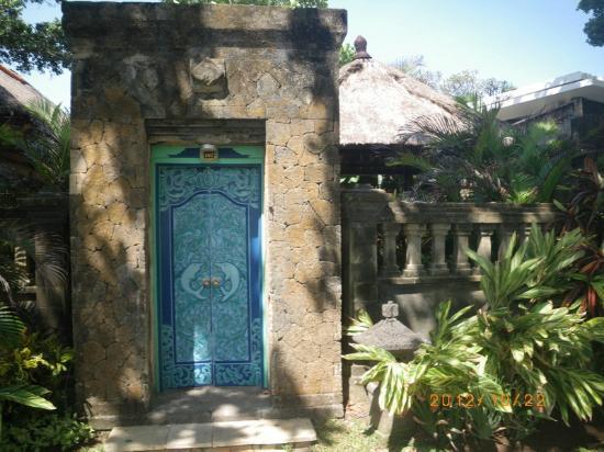 The Royal Beach Seminyak Bali - MGallery Collection: The Royal Beach Seminyak Bali - villa102 entrance