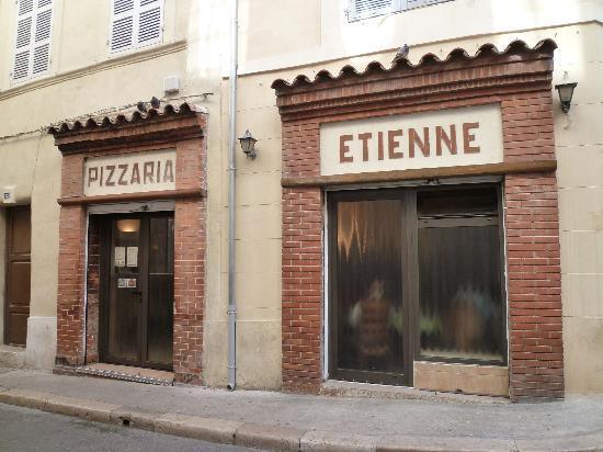 Chez Etienne: façade