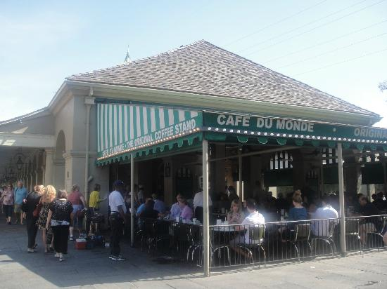 cafe du monde new orleans french quarter restaurant reviews phone number photos. Black Bedroom Furniture Sets. Home Design Ideas
