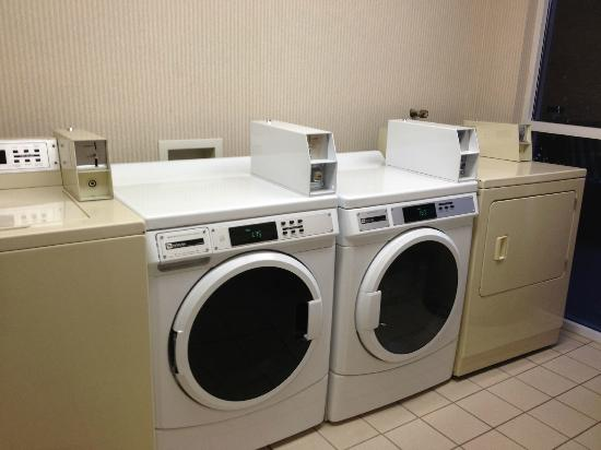BEST WESTERN PLUS Abbey Inn: Laundry facilities (VERY HELPFUL!)