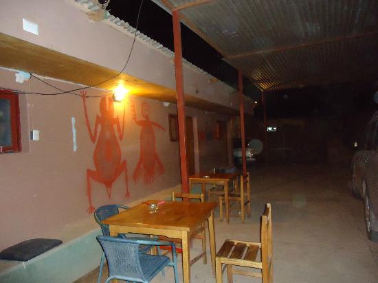 Hostal El Rincon San Pedrino: Patio interior y vista de las habitaciones