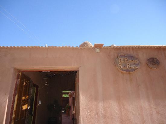 Hostal El Rincon San Pedrino: Fachada
