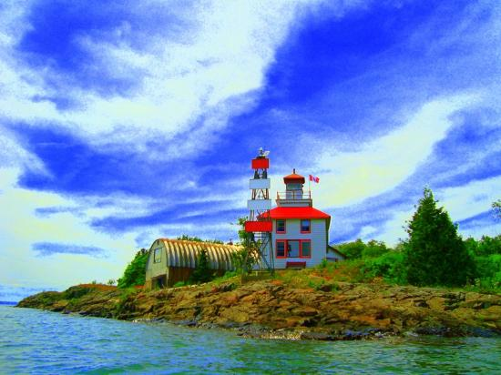 Bruce Bay Cottages: The lighthouse!