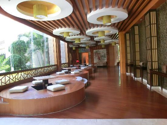 Holiday Inn Hotspring Resort