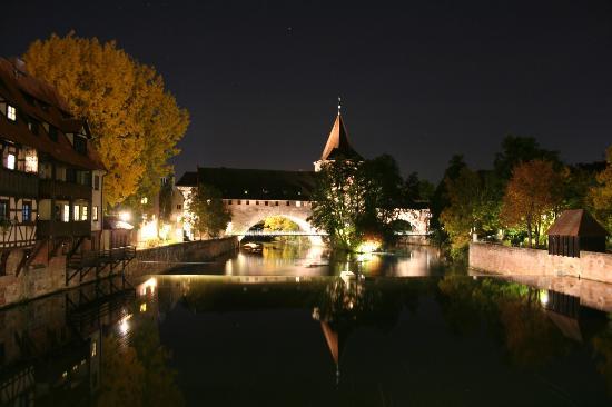 Altstadt: Night view