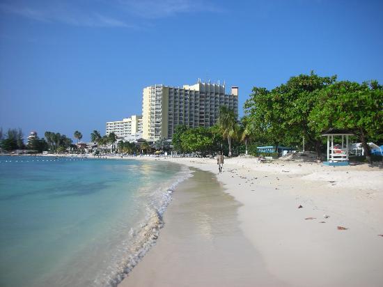 Rooms Ocho Rios: On the beach