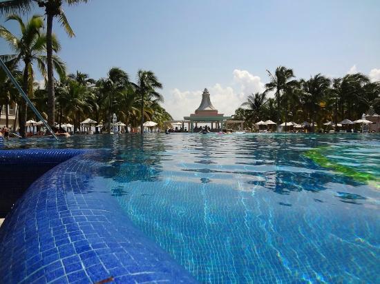 Hotel Riu Palace Riviera Maya: main pool