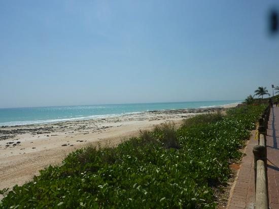 Cable Beach Club Resort & Spa: Beach