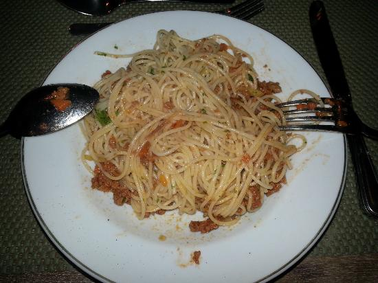 Cangkringan Jogja Villas & Spa: spagheti.... look how's pale... not recomend