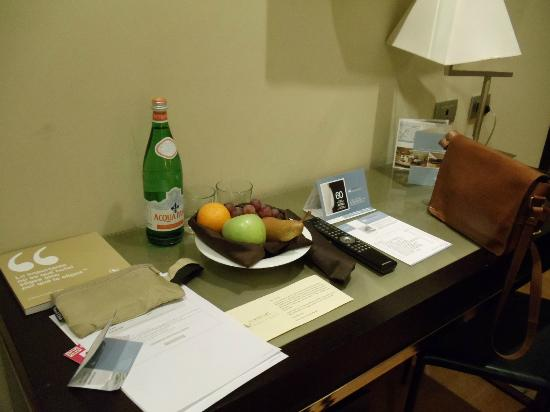 Eurostars Roma Aeterna: They have complementary fruit and water upon your arrival