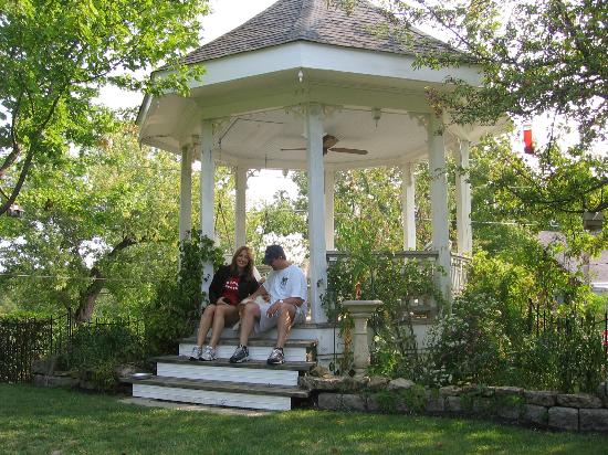 "Abbey's High Street Bed and Breakfast: Gazebo (""Queenie"" and us)"