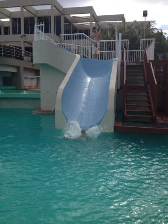 Opal Cove Resort: waterslide