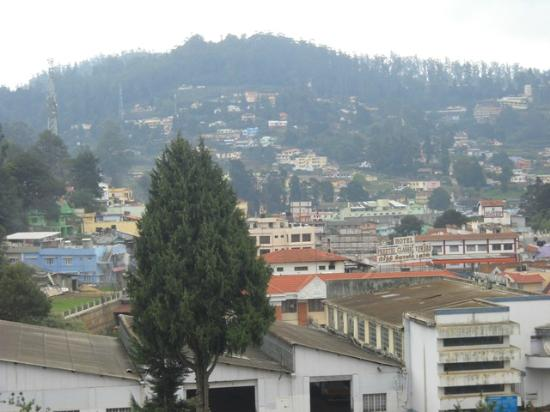 Ooty Gate Hotel: Morning view from hotel