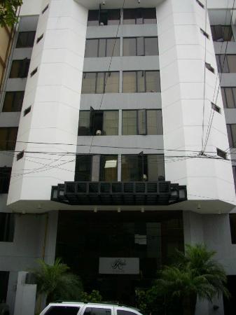 Jose Antonio Executive: A fachada do hotel