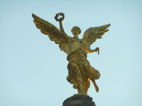Paseo de la Reforma: Angel in detail OCT2012