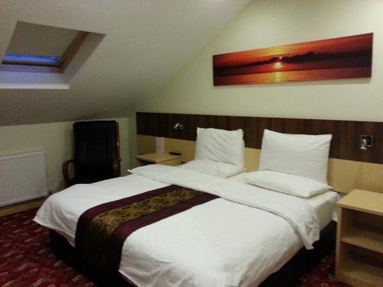 Room 31 at Cambridge Hotel