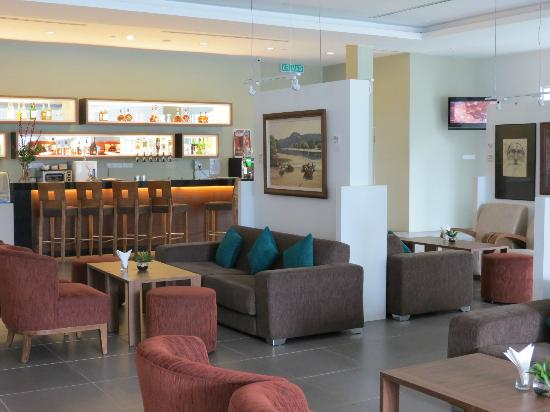 Century Langkasuka Resort: Lobby Bar