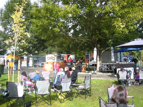 Riccarton Rotary Sunday Market : Cosy little mobile cafe. Must-try Expresso, Hot-choc!