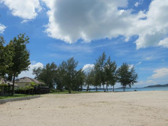 Century Langkasuka Resort: private beach area