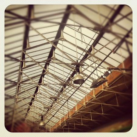 Manchester Craft and Design Centre: Stunning roof. Former victorian fish market now holds 26 Artist/makers boutique shops.