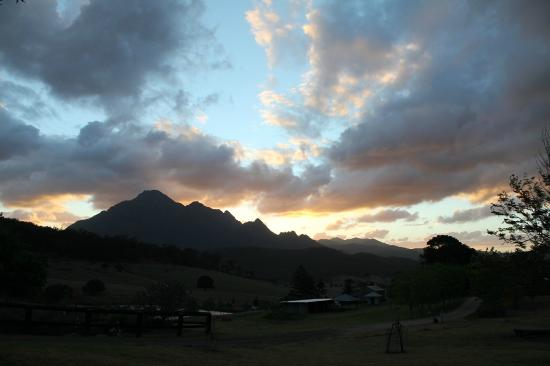 Lillydale Farmstay: Beautiful sunset