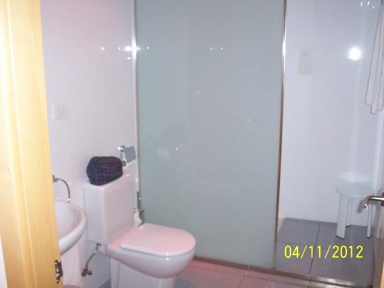 Aparthotel Wellness: Room 1-11 bathroom