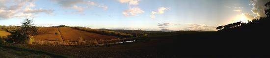 La Contea: Vista dalla Farmhouse
